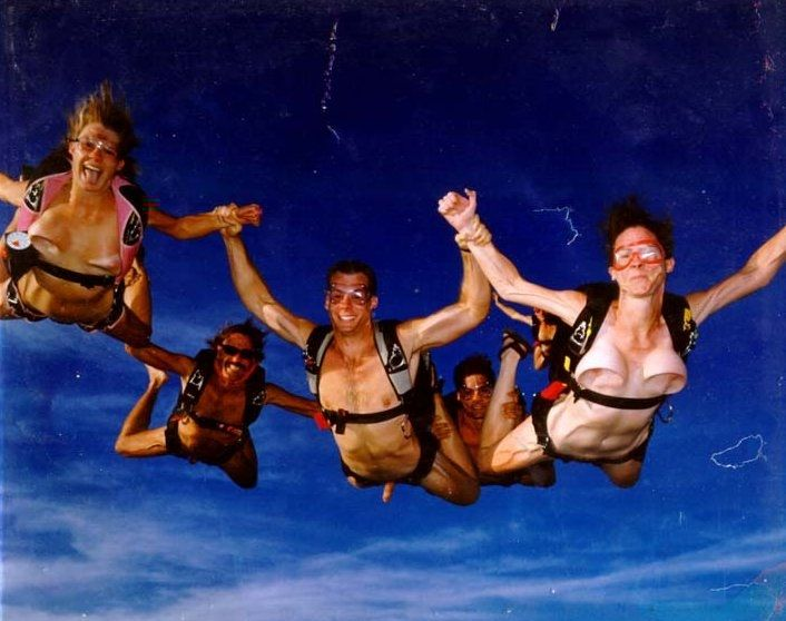naked skydivers