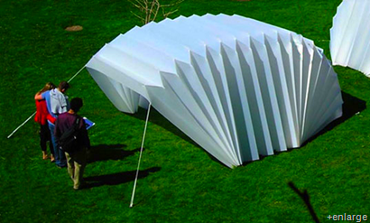 Accordion tent