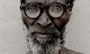 zulu-man-wearing-h2o-glasses