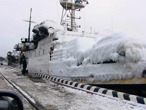 frozen-ship1