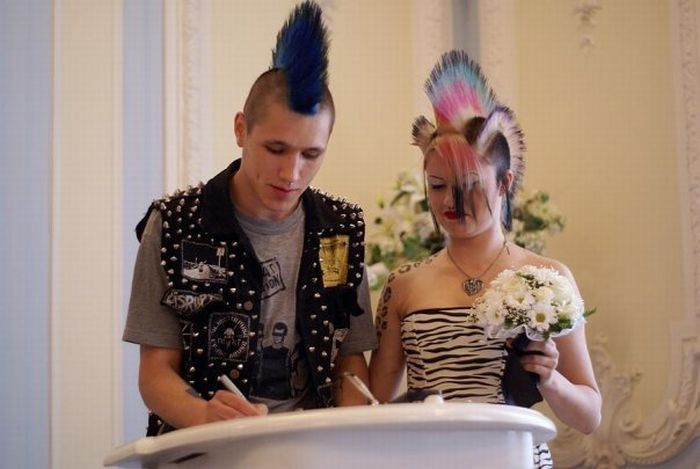 odd wedding1