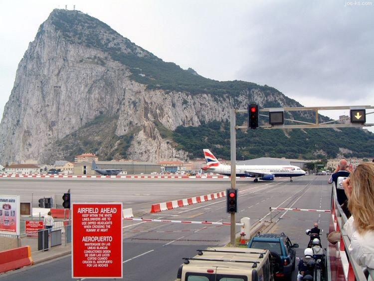 GibraltarAirportRoadC