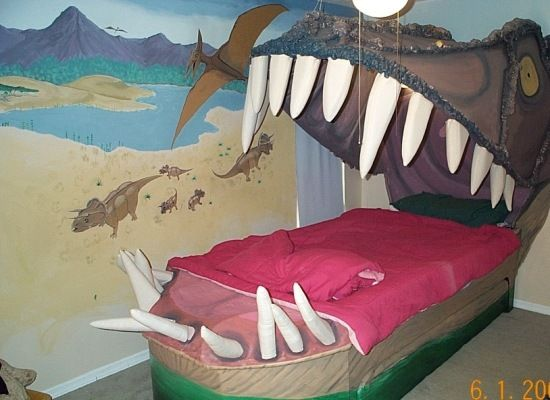 Strange Beds strange beds… | los cuatro ojos